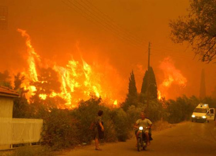 Greece fire 2007 © Athens News Agency