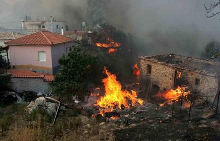 Greece fire 2007 Zaharo © Athens News Agency