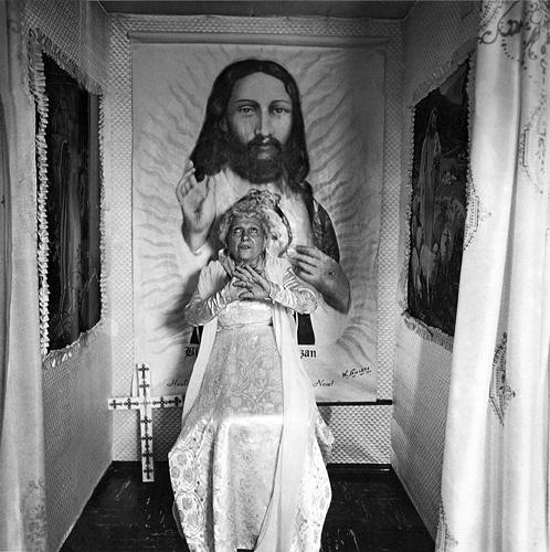 diane_arbus_bishop_1964_500px